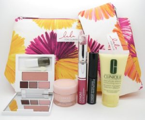 Clinique Travel Gift Set 30ml Dramatically Different Moisturizing Lotion + 15ml Moisture Thirst Relief + 1.2g All About Shadow + 3.5ml High Impact Mascara + 1.2g Lipstick + 2 x Cosmetic Bags