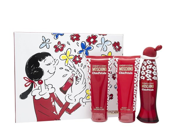 Moschino Cheap Chic Chic Petals Gift Set 50ml EDT 100ml Body Lotion 100ml Shower Gel