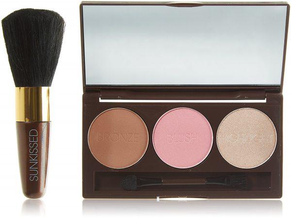 Sunkissed Bronze and Contour Gift Set 3.5g Bronzer 3.5g Blush 3.5g Highlighter Applicator Blusher Brush