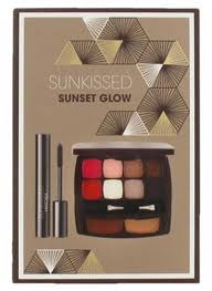Sunkissed Rio Beach Bronze Gift Set 3.3g Lip Crayon 6.5ml Mascara 10g Sculpt Glow Palette Bronzer Highlighter