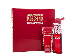 Moschino Cheap Chic Chic Petals Gift Set 30ml EDT 50ml Body Lotion